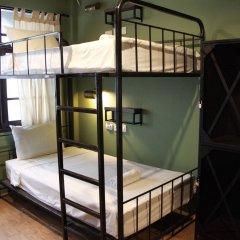 Niras Bankoc Cultural Hostel Кровать в общем номере с двухъярусной кроватью