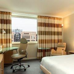 Отель Hilton Düsseldorf 5* Стандартный номер двуспальная кровать