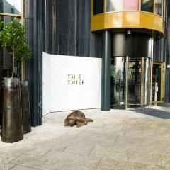 Отель The Thief внутренний интерьер