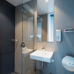 ClinkNOORD - Hostel Амстердам ванная фото 5