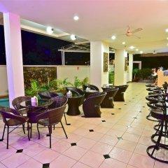 Squareone - Hostel гостиничный бар фото 2