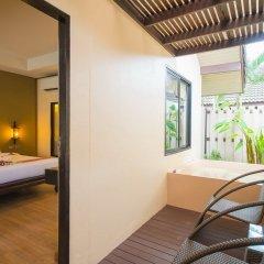 Phuket Island View Hotel терраса/патио
