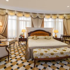 Гостиница Royal Tulip Almaty комната для гостей