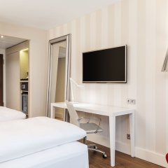 Отель NH Collection Frankfurt City 4* Стандартный номер с различными типами кроватей фото 2