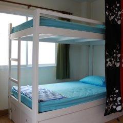 Ananas Phuket Hostel Кровать в мужском общем номере двухъярусные кровати