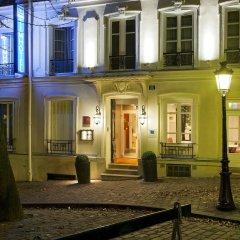 Отель Timhotel Montmartre Париж крыльцо
