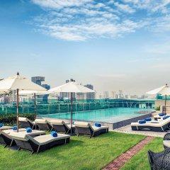 Отель Mercure Bangkok Makkasan Бангкок бассейн