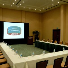 Отель Courtyard By Marriott Cancun Airport конференц-зал