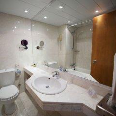 Отель Adams Beach ванная фото 4