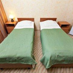 Гостиница Гвардейская 2* Стандартный номер с двуспальной кроватью