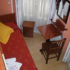 Отель Hostal Comercial Стандартный номер с различными типами кроватей (общая ванная комната)