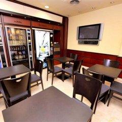 Hotel Glories ресторанный дворик фото 2