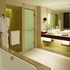 Отель Outrigger Laguna Phuket Beach Resort 5* Люкс с различными типами кроватей фото 2