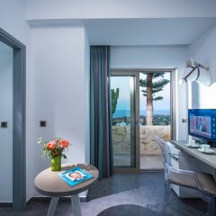 Отель Happy Cretan Suites 4* Улучшенный люкс с различными типами кроватей
