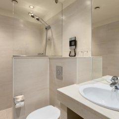 Отель NH Amsterdam Centre 4* Стандартный номер с различными типами кроватей