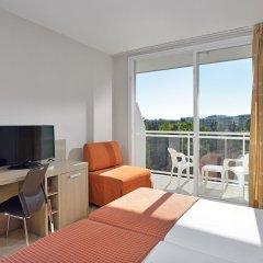 Отель Sol Costa Daurada Salou 4* Стандартный номер с различными типами кроватей