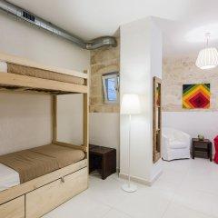 Two Pillows Boutique Hostel Кровать в общем номере с двухъярусной кроватью фото 2