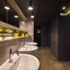 Fulfill Phuket Hostel раковина ванной комнаты