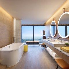 Отель Andaz Singapore - a concept by Hyatt Люкс с различными типами кроватей