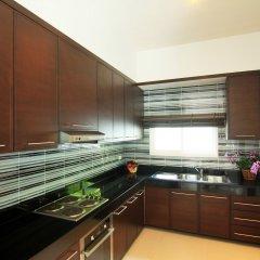 Отель Ananta Thai Pool Villas Resort Phuket мини-кухня в номере