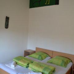 Хостел JR's House Кровать в мужском общем номере двухъярусные кровати