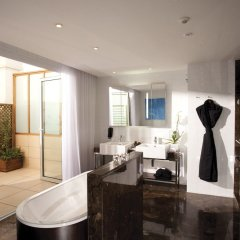 Отель ME Madrid Reina Victoria ванная фото 2