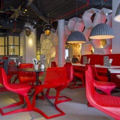 Отель Radisson RED Brussels ресторан
