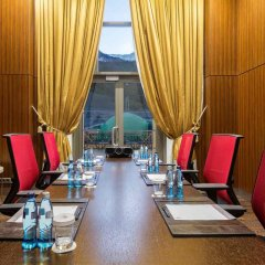 Гостиница Сочи Марриотт Красная Поляна конференц-зал