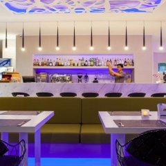 Отель Coral Inn гостиничный бар