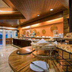 Отель Thavorn Beach Village Resort & Spa Phuket место для завтрака