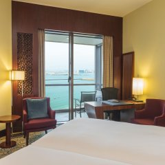 Отель Sofitel Dubai Jumeirah Beach 5* Улучшенный номер с различными типами кроватей фото 3