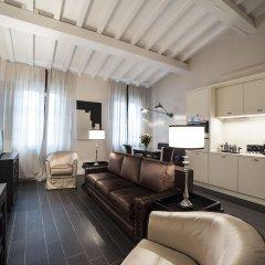 Отель Gold Ognissanti Suite Улучшенные апартаменты с различными типами кроватей