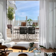 Отель ME Madrid Reina Victoria 4* Люкс разные типы кроватей