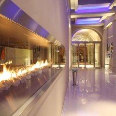 Отель The Grand Mark Prague коридор