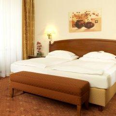 Hotel Stefanie 4* Стандартный номер с двуспальной кроватью