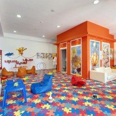 Отель Barceló Royal Beach закрытая детская игровая площадка
