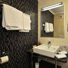 Tara Hotel раковина ванной комнаты