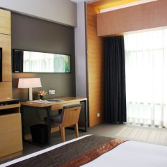 Jianguo Hotel Guangzhou 4* Улучшенный номер с разными типами кроватей