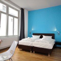 Five Elements Hostel Leipzig Номер Делюкс с двуспальной кроватью