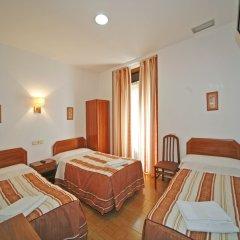 Отель Hostal San Antonio Стандартный номер с двуспальной кроватью фото 2