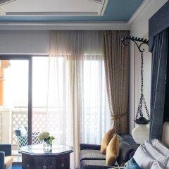 Отель Jumeirah Al Qasr - Madinat Jumeirah 5* Представительский номер с двуспальной кроватью
