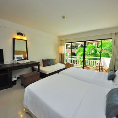 Отель Ramada by Wyndham Phuket Southsea 4* Улучшенный номер разные типы кроватей фото 3