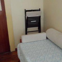 Отель Pensao Residencial Flor dos Cavaleiros 2* Стандартный номер с различными типами кроватей фото 2