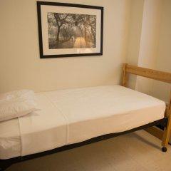Отель West Side YMCA Номер с общей ванной комнатой с различными типами кроватей (общая ванная комната)