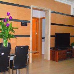 Апартаменты She & He Service Apartment - Huifeng Номер Делюкс с 2 отдельными кроватями