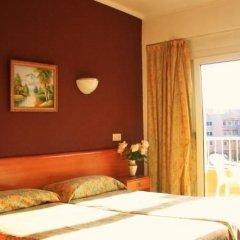 Отель Hostal Alcina Стандартный номер с различными типами кроватей