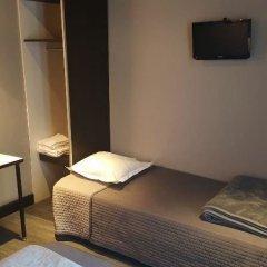 Отель Café Hôtel de lAvenir 2* Стандартный номер с различными типами кроватей (общая ванная комната)