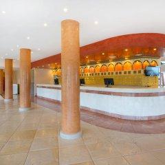 Отель Iberostar Playa Gaviotas - All Inclusive ресепшен