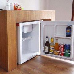 Отель Again at Naiharn Beach Resort мини-холодильник