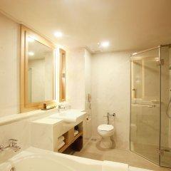 Отель Phuket Marriott Resort & Spa, Merlin Beach 5* Стандартный номер с различными типами кроватей фото 10